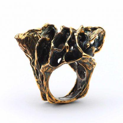 Giordano Pini - Sculture da indossare - Anello in bronzo dorato e ossidato
